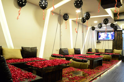 cabin restaurant for couples in indore